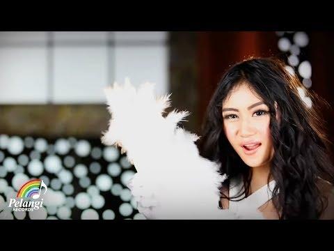 Duo Serigala - Sakura (Official Music Video) | Goyang Sumo