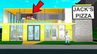 I Used A SECRET VENT To Escape His Evil Restaurant.. (Roblox)