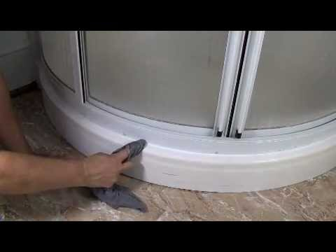How to Caulk a Fiberglass Shower