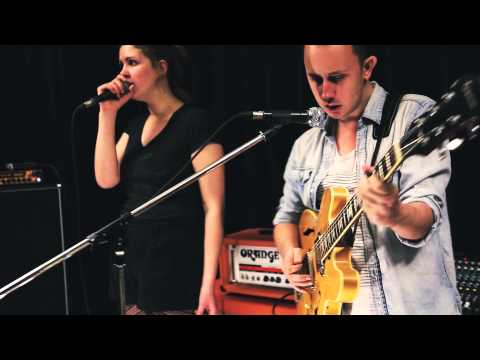 Paul Simon - 50 Ways To Leave Your Lover (Soles Cover + Live Music Video)
