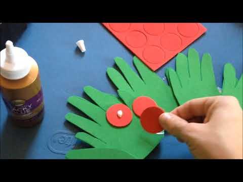 Easy DIY Christmas Crafts - Handprint Wreath for Kids!