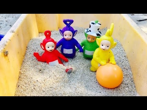 SINK or FLOAT Water Toy Test with TELETUBBIES Toys On the Beach!