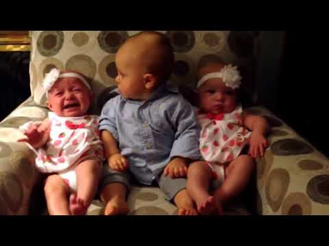 Lucky baby gets twin girls and confused to choose