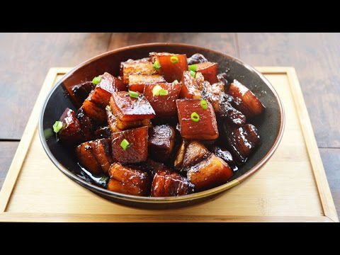 How to Make Chinese Braised Pork Belly in A Clay Pot 砂锅红烧肉