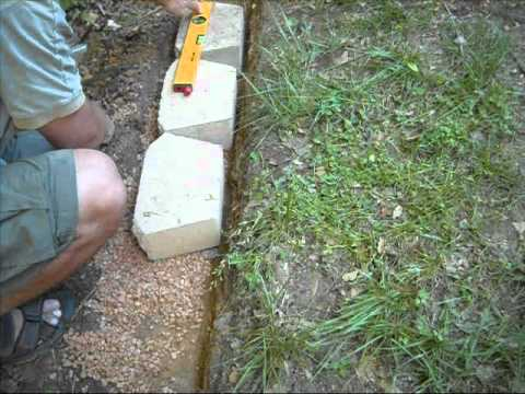 Building a Concrete Block Retention Wall