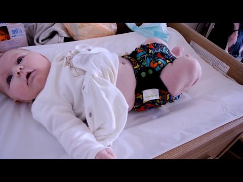 Trying out our Cloth Nappies || BumGenius