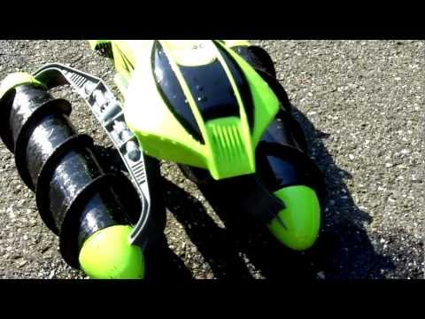 Hot Wheels Terrain Twister Review.  RC Car That Drives on Any Terrain.  Hands On Review