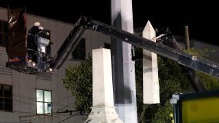 New Orleans Confederate memorial removed in dead of night