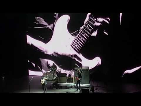 John Mayer Trio - Crossroads @ Boxen Herning (AMAZING SOLO)