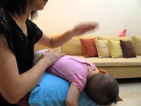 舒服拍痰 (How to Relieve a Baby's Stuffy Nose and Clean Out Mucus From a Baby's Lungs)
