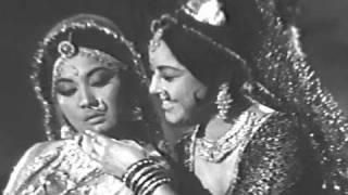 Radha Tore Kanha Ne Murli Bajai - Dharmendra, Meena Kumari, Purnima Song