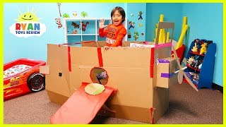Airplane Box Fort Challenge Pretend Play with Ryan ToysReview