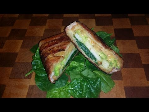 Bacon Wrapped Grilled Jalapeno Cheese w.Pear and Spinach - Super Easy
