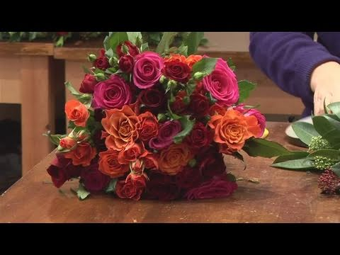 How To Create Flower Arrangements For Christmas Weddings