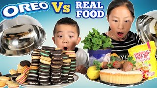 Download OREO Vs REAL FOOD CHALLENGE!! Fun With Ckn Toys