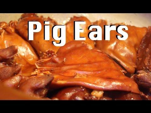 Eating Pig's Ear in Shanghai 猪耳朵