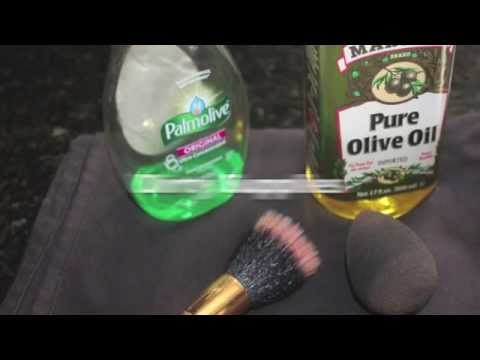 Tutorial: How to clean brushes and Beauty Blender | Using household products