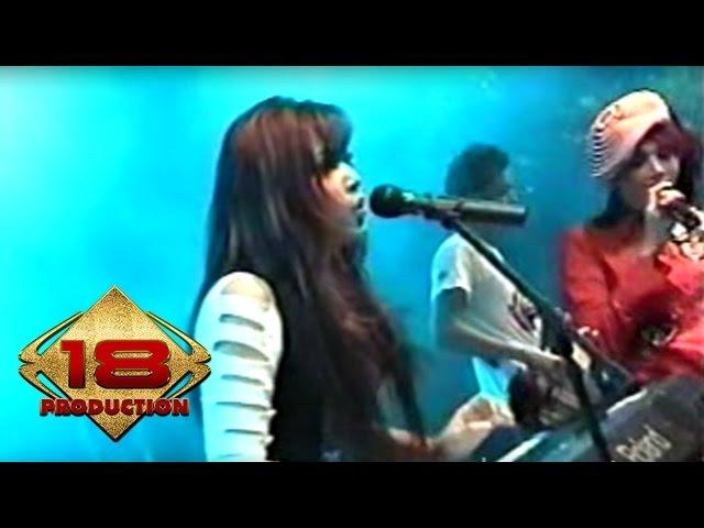 Download Ratu - Jangan Bilang Siapa Siapa   (Live Konser Surabaya 6 November 2005) MP3 Gratis