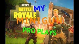 Fortnite pro plays with minigun and machine gun