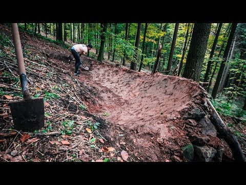 TRAILBUILDING TIMELAPSE - Building Big Berms!