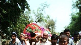 मुस्लिमों ने किया अपने हिंदू पड़ोसी का अंतिम संस्कार