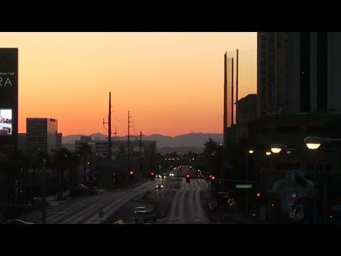 Las Vegas Vlog: Walking the Strip 2018 Early Morning