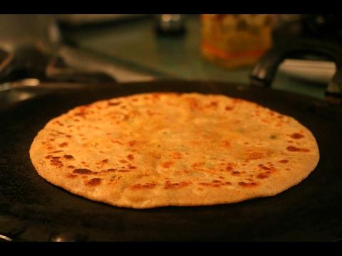 Simple Steps to make Aloo Paratha/Aloo paratha