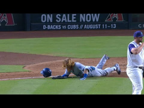 Turner trips over bat on the way to first