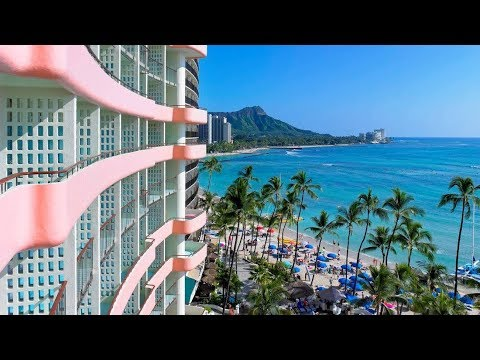 The Royal Hawaiian Hotel, Waikiki Beach (Honolulu, Hawaii): a review