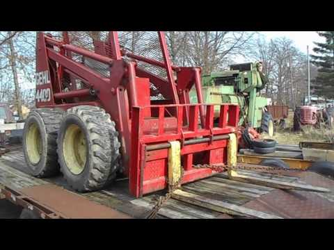 Loading Gehl 4400 to get fixed