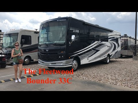 Living in an Airstream - Journal #3 - We wanted a Fleetwood Bounder 33C - S2E25