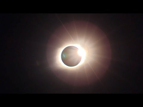 Watching the Great American Total Eclipse (3D Audio)