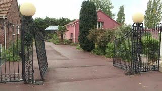 #x202b;السلطات الفرنسية تغلق مركزاً إسلامياً تابعاً للطائفة الشيعية…#x202c;lrm;