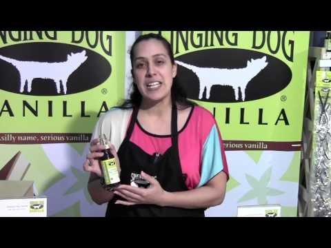 Organic Pure Vanilla Extract by Singing Dog Vanilla