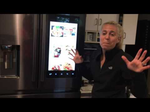 SAMSUNG FAMILY HUB REFRIGERATOR: FAVE FEATURES