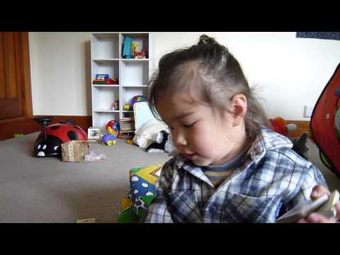 teaching a 2 years old toddler to speak cantonese