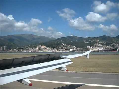 Airbus A319 landing at Genoa