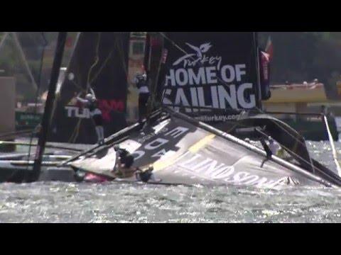Lino Sonego capsizes on Sydney Harbour