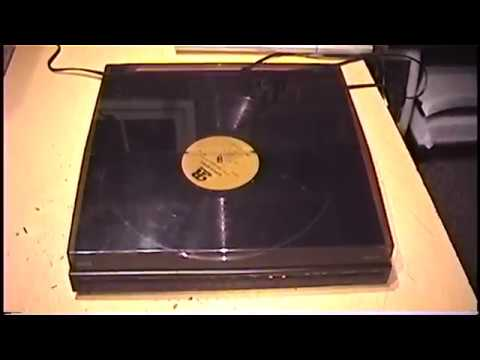 RCA linear tracking turntable with infrared track detection
