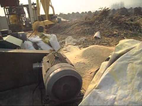 wood sawdust making machine
