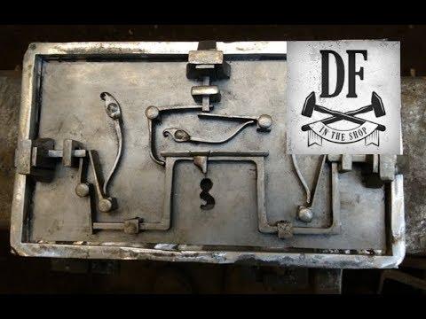 Blacksmithing Project - A Simple Nuremberg Box 19