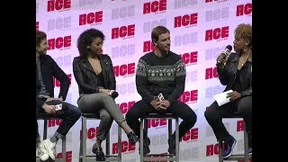 Download Michael Fassbender, Tye Sheridan & Alexandra Shipp en la ACE Comic Con de Arizona (12/01/19) Video