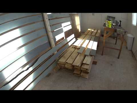 Pallet wall paint drying rack