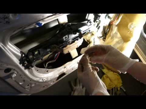 How to replace door lock cylinder Toyota Corolla. Key lock.