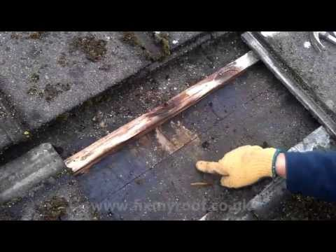 How to CLEAN MOSS from roof tiles - Cleaning moss from leaking roof