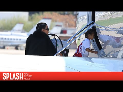 Kim Kardashian and Family Take Private Jet Out of Los Angeles | Splash News