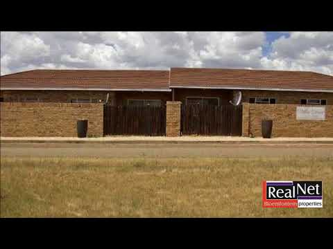 2 Bedroom Townhouse For Sale in Dealesville, Free State, South Africa for ZAR 540,000