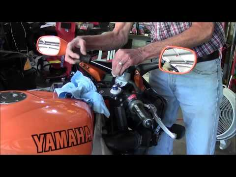 YAMAHA R6 Brake Fluid Change/Bleeding