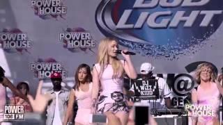 Nicki Minaj VS Iggy Azalea (Live Performances)