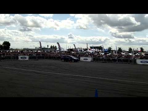 Paul Swift Stunt Driving Ford Fair 2014 (4)